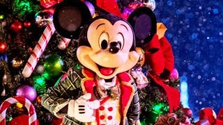 Mickey & Friends Surprise Disney Store Holiday Shoppers | Oh My Disney