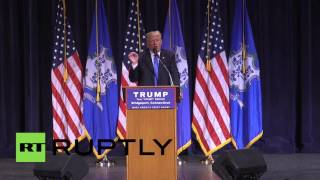 USA: Trump does his 'crooked Hillary Clinton' impression at Bridgeport rally 2017 Video