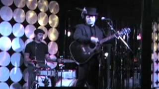 "antoine poncelet ""Satisfied Mind"" (Johnny Cash) live @ the Clash 10/27/2011"