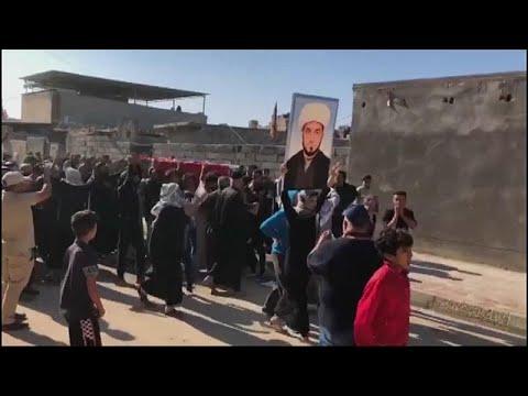 شاهد: تشييع جثمان رجل الدين العراقي وسام الغراوي بعد اغتياله من قبل مجهولين…  - نشر قبل 3 ساعة