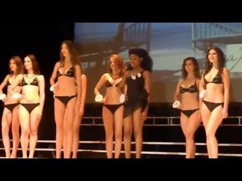видео: Тернопіль, 20 хвилин вихід в купальниках СтудМіс Терн