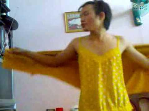 Kìa Con Bu-m Vàng-Mr L-i - Kia Con Buom VangMr Lui - Dien dan giai tri - Dien dan gioi tre - Dien dan teen Viet - Zing Forum