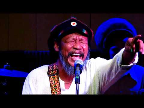 Job2Do จ๊อบ บรรจบ (do Do Doo Ter Tam) Reggae Concert Jazz Cafe