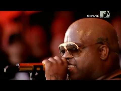 Gnarls Barkley - Smiley Faces (Live Roskilde 2008)