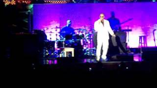 "Jamie Foxx Performing ""Storm"" LIVE in concert"