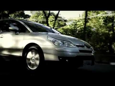 Belíssimo e completíssimo Citroën C4 Pallas