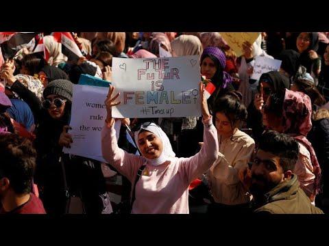 تظاهرة نسائية للدفاع عن دور المرأة واحتجاجاً على الحكومة الجديدة  - 16:01-2020 / 2 / 13