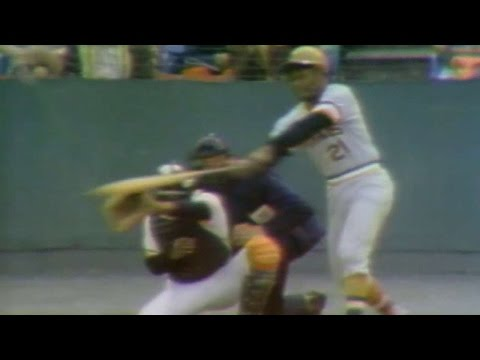 1971 WS Gm6: Clemente hits a triple, homers
