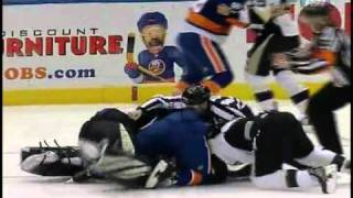 Repeat youtube video New York Islanders vs. Pittsburgh Penguins: All out Brawl [2-11-11]