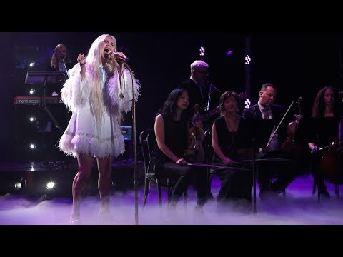 Kesha Performs Hit Song Praying