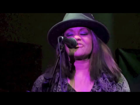 Sue Ann Carwell - Tell Me Somethin' Good