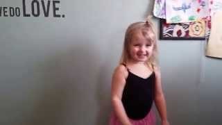 Heartbeat song Bailey dancing to Kelly Clarkson!!!