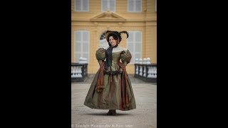 Dressing up a 1830 lady