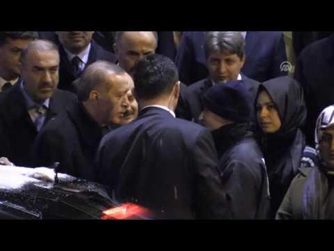 Cumhurbaşkanı Erdoğan TBMM başkanı İsmail Kahraman'ı hastanede ziyaret etti