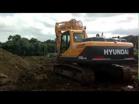 HYUNDAI R220LC-9S Backhoe. Del Monte, Bukidnon. Video 3
