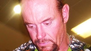 10 Fascinating Backstage Facts About The Undertaker thumbnail