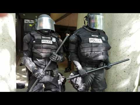 Oregon Police Riot cops leave protesters trapped to breath in tear gas  06/04/17