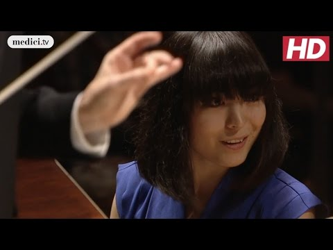 Alice Sara Ott & Insula Orchestra - Fantasy for Piano, Choir and Orchestra - Beethoven