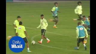 Neymar involved in one touch passing goal in Brazil training - Daily Mail