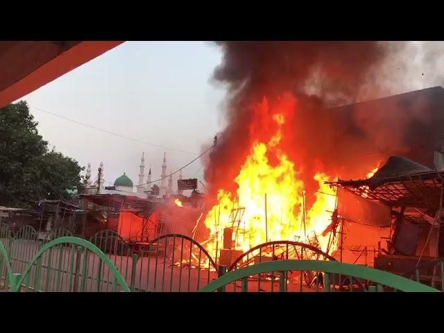 Shops got fire  in lucknow
