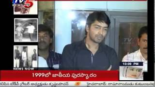 Actor Allari Naresh Tears Roll Down On Ramanaidu Death : TV5 News