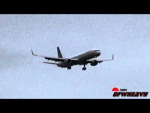 """United Airlines """"Denver Broncos Charter"""" 757-324 [N75854]"""