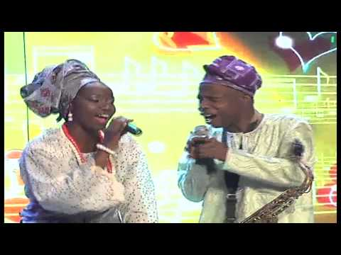 Evelle and Sir Orlando Julius share romance on stage with Ololufe