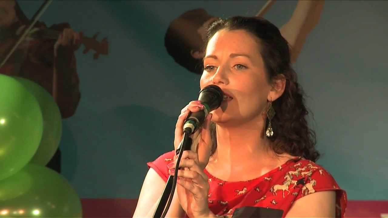 Aoife Murray sings at Fleadh Cheoil 2012 Launch: Traditional Irish Music  from LiveTrad com