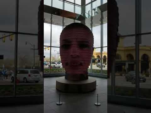Art exhibition in convention center, see my face in 3D