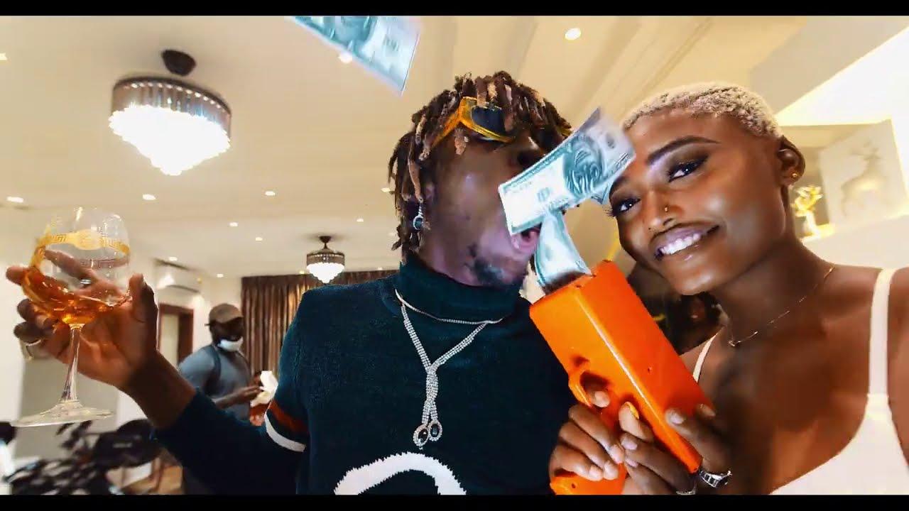 Kofi Mole - Top Shella (Official Music Video)