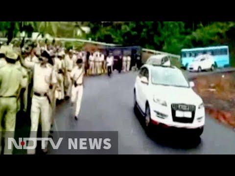 Actor-politician Ramya targeted, eggs thrown at car