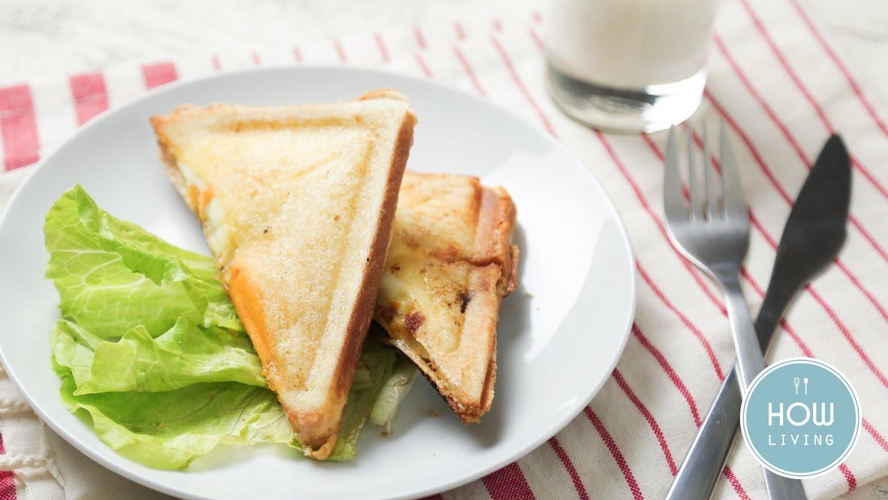 【早餐食譜】肉蛋吐司 Pork Egg Toast│HowLiving美味生活 - YouTube