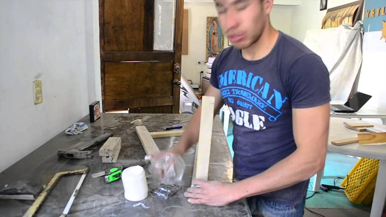 Hazlo en casa jue 4 abr como hacer un perchero con troncos for Como hacer un perchero de pared