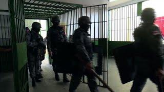 Briga termina com 15 mortos em presídio de Manaus