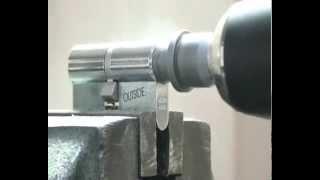 Вскрытие Abloy Protec твердосплавной коронкой(, 2014-04-12T12:20:17.000Z)