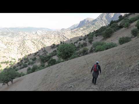 Hiking in the Zagros mountain (Iran)