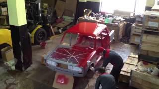 Видео покраски автомобиля в гараже в домашних условиях(Как покрасить автомобиль в гараже самому? Покраска автомобиля включает в себя все подготовительные работы..., 2014-07-25T11:37:49.000Z)