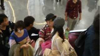 AKB48 山内鈴蘭 片山陽加 藤江れいな @ 松山airport, Taipei, Taiwan 15...