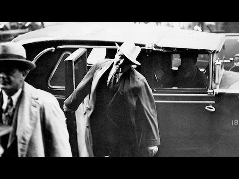 Photo negatives; finding Al Capone in the Tribune archives