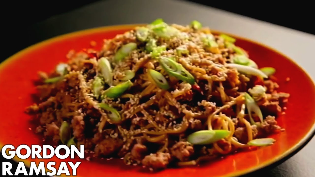 Stir fried spicy pork noodles gordon ramsay youtube forumfinder Image collections