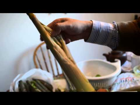 How to peel bamboo for cooking~