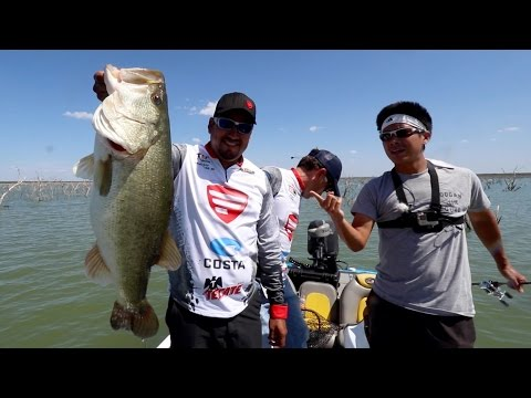 Chuy Caught a 10 Lb Bass!!! Fishing Lake El Cuchillo in Mexico