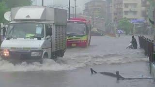 Monsoon rains batter Mumbai, throw normal life out of gear