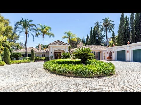 Grand estate in Marbella Hill Club for sale