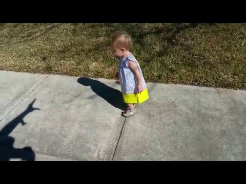 funny-dad-scaring-baby-with-shadow