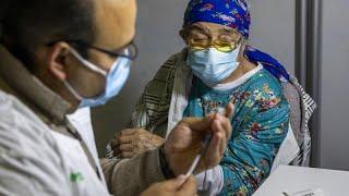 Израильтян вакцинируют быстрее всех