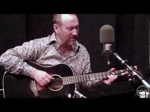 "Colin Hay ""Overkill"" Live at KDHX 5/04/11 (HD)"