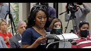 Mujeres CONTRA la teoria critica de la raza (CRT) que apoya Obama.