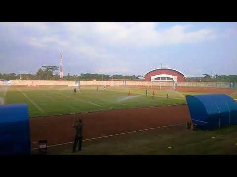 Perawatan Stadion Langensari Banjar,Jawa Barat menggunakan Springkle Otomatis