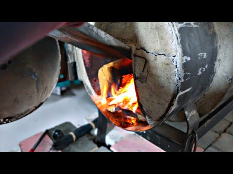 Super Efficient  Wood Stove Stays Warm For Hours With No Fire 🔥